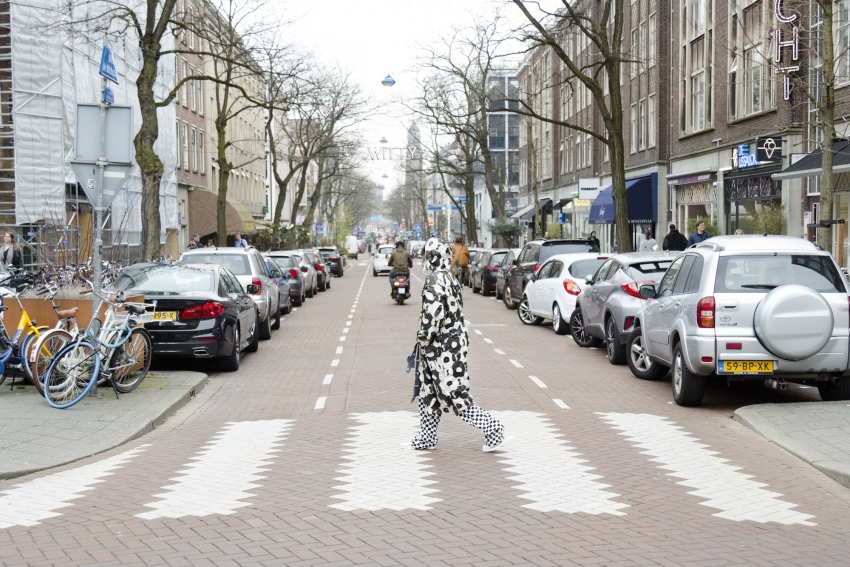 ∞ Lewis crossing Witte de Withstraat – modelling I'm Legend Dummies (Time Money Inclination) ∞